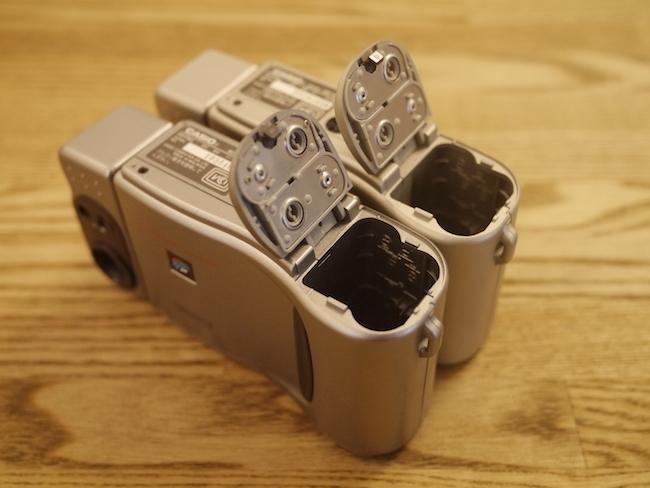 単三乾電池4本で動きます。
