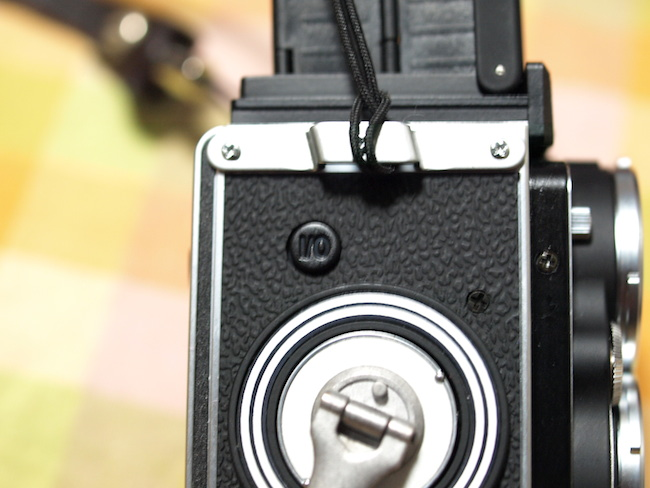 【I/0】ってボタンが電源ボタンです。