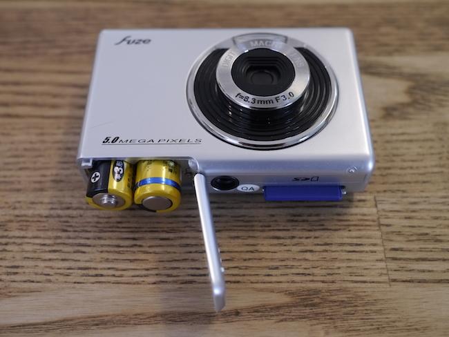 SDカードと乾電池
