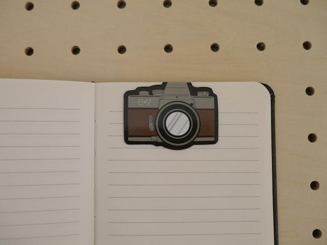 カメラ型ブックマーク ブラウン