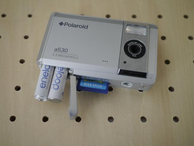 Polaroid a530