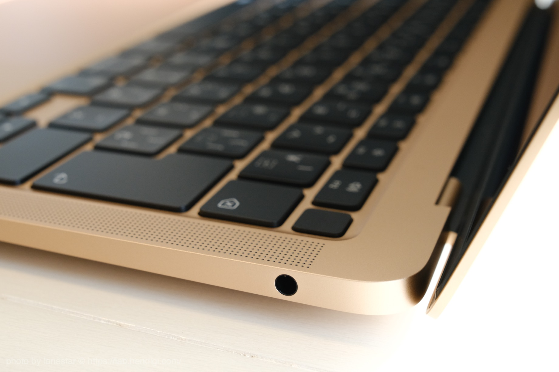 M1 MacBook Air イヤホンジャック